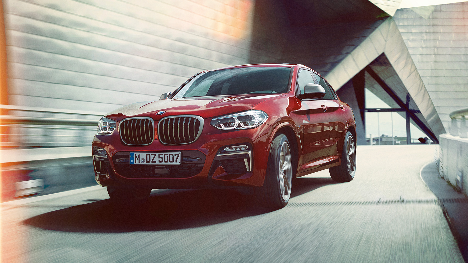 BMW X4 M40i G02 2018 toonis Flamenco Red Brilliant Effect, 3/4 eestvaade